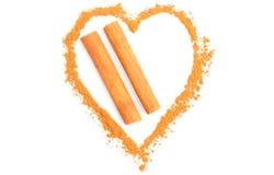 在白色背景隔绝的橙色桂香的心脏 免版税库存图片