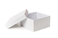 在白色背景隔绝的白色箱子 免版税库存图片