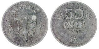 50在白色背景隔绝的矿石1942硬币,挪威 库存照片