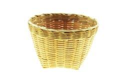在白色背景隔绝的竹空白的篮子 免版税图库摄影