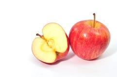 被隔绝的红色苹果 免版税库存照片