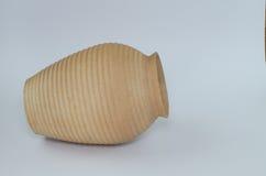 在白色背景隔绝的花瓶黏土 免版税图库摄影