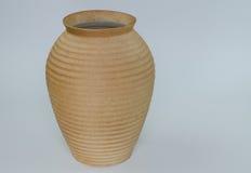 在白色背景隔绝的花瓶黏土 库存照片