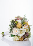 在白色背景隔绝的花美丽的花束  库存照片