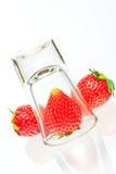 在白色背景隔绝的草莓 库存照片