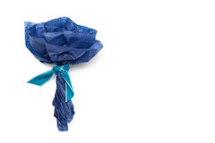 在白色背景隔绝的蓝纸美丽的花 库存图片
