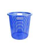 在白色背景隔绝的蓝色塑料篮子 库存照片
