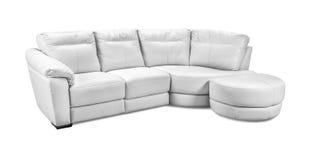 在白色背景隔绝的豪华皮革壁角沙发 免版税库存照片