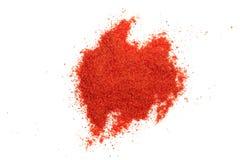 在白色背景隔绝的辣椒粉粉末 顶视图 免版税库存照片