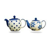 在白色背景隔绝的陶瓷茶壶 库存照片