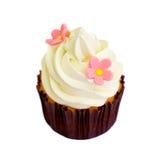 在白色背景隔绝的香草杯形蛋糕 免版税库存图片