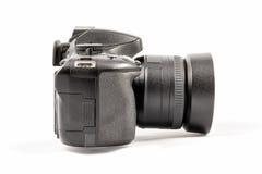 在白色背景隔绝的黑未打上烙印的DSLR照相机 免版税库存照片