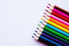在白色背景,权利的色的铅笔 库存照片