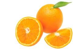在白色背景+裁减路线隔绝的橙色果子 图库摄影