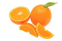 在白色背景+裁减路线隔绝的橙色果子 免版税库存图片