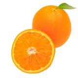 在白色背景+裁减路线隔绝的橙色果子 免版税库存照片