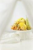 在白色背景的果子 免版税库存照片