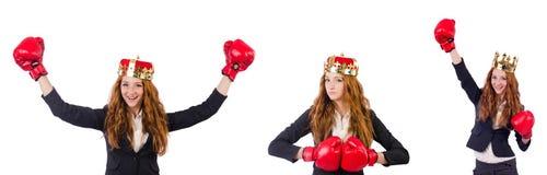 在白色隔绝的女王/王后拳击手女实业家 免版税图库摄影