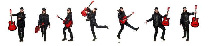 在白色隔绝的年轻吉他演奏员 库存图片