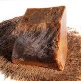 在白色隔绝的手工制造咖啡巧克力肥皂片断  库存照片