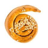 在白色隔绝的美好的桂香小圆面包卷漩涡 免版税库存照片