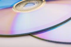 在白色隔绝的CD的dvd 库存照片