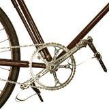 在白色隔绝的一辆老自行车的细节 免版税库存照片