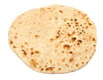 在白色隔绝的印地安薄煎饼面包 免版税库存照片