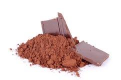在白色隔绝的可可粉的巧克力 库存照片