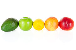 在白色隔绝的新鲜和鲜美果子 免版税库存图片