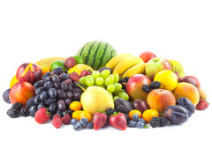 在白色隔绝的新鲜的有机果子的混合 免版税库存照片