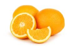 在白色隔绝的新鲜的橙色果子 免版税库存图片