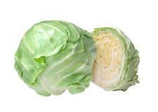 在白色隔绝的新鲜的鲜美圆白菜 免版税库存图片