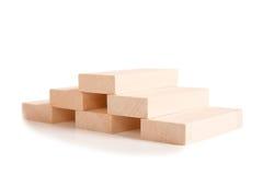 在白色隔绝的木玩具房子 图库摄影