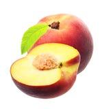 在白色隔绝的桃子 免版税库存图片