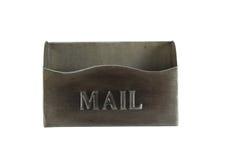 在白色隔绝的空的老金属邮箱 库存图片