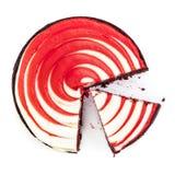 在白色隔绝的红色天鹅绒蛋糕顶视图裁减 库存图片