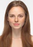 在白色隔绝的美丽的妇女面孔画象年轻人 免版税库存照片