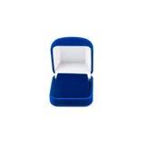 在白色隔绝的蓝色首饰盒 免版税库存图片