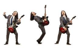 在白色隔绝的滑稽的吉他演奏员 图库摄影