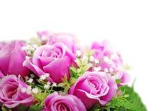 在白色隔绝的紫色玫瑰花束 库存图片