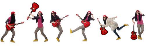 在白色隔绝的hipste吉他演奏员 免版税库存图片