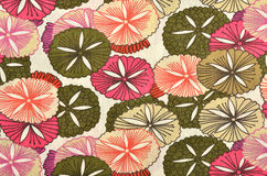 在白色织品的抽象花卉样式 免版税库存图片
