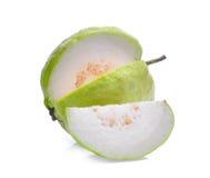 在白色solated的新鲜的番石榴果子 库存图片