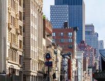 在百老汇的大厦在苏荷区曼哈顿,纽约 免版税库存照片