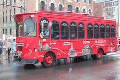 在百老汇的游览车在纳稀威,田纳西 库存照片