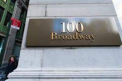 在百老汇的路牌 免版税图库摄影