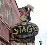 在百老汇,实况音乐地点纳稀威田纳西的阶段 库存图片