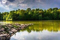 在百年湖的暴风云,百年公园的,在Columb 免版税库存照片