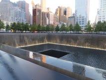 在的世界贸易中心的纪念品爆心投影纽约 图库摄影